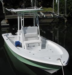 2020 - Piranha Boatworks - Casador B2200